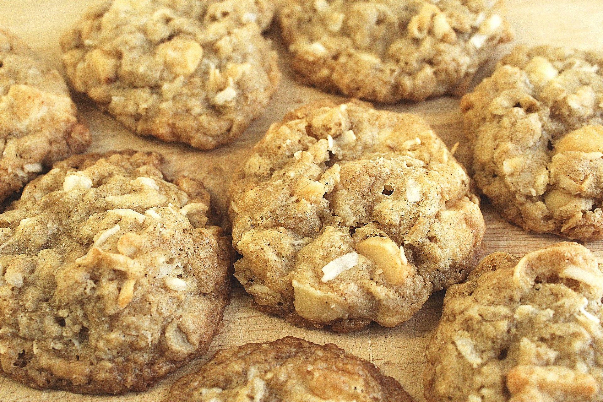 Coconut Macadamia Oatmeal Cookies with White Chocolate Chunks