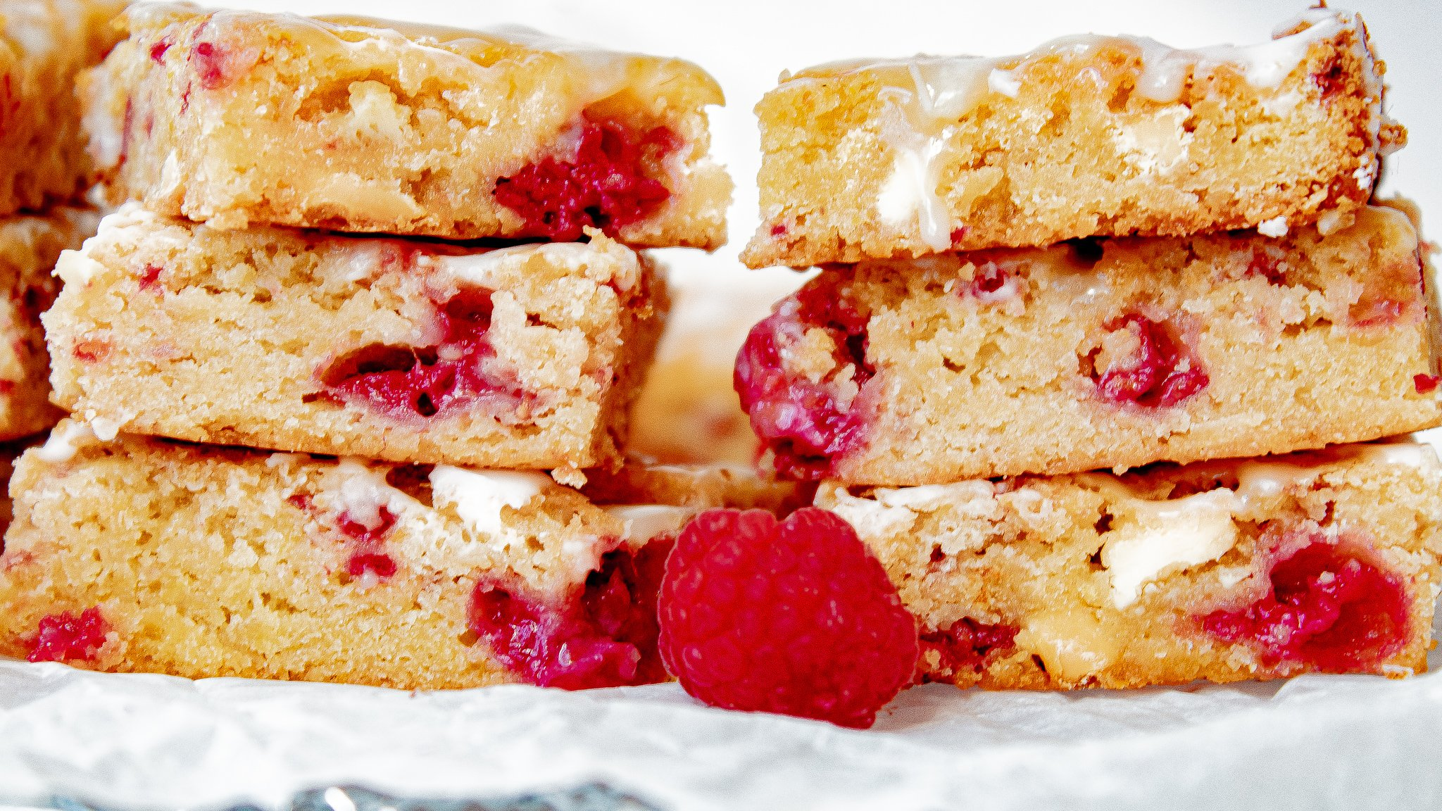 Raspberry and White Chocolate Blondies Recipe | Chenée Today