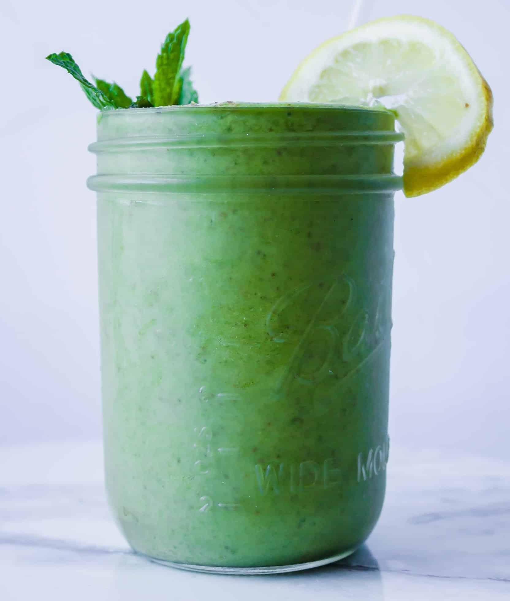 anti-aging mango kale smoothie
